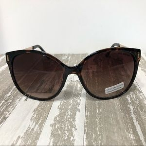 Tommy Hilfiger Tortoise Shell Sunglasses NWT